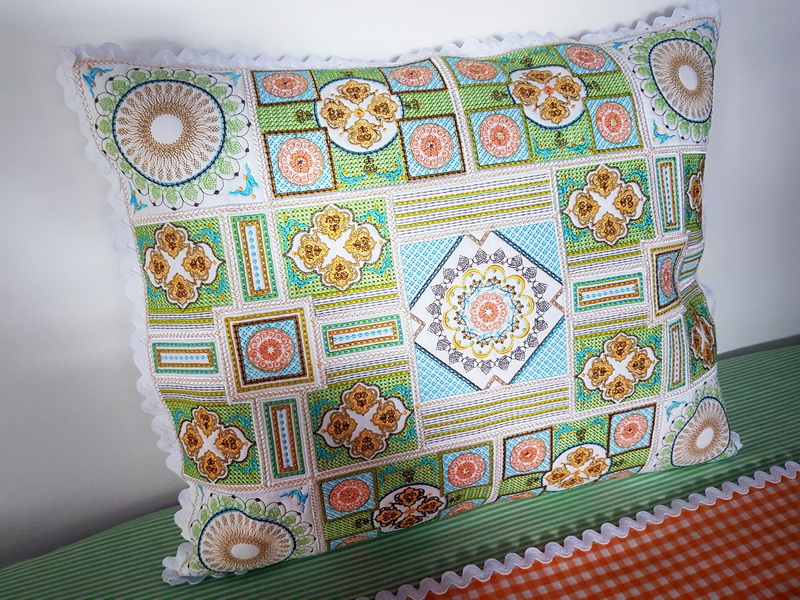 Sorbet Shades Machine Embroidery Designs by Cathy Park. Decorative machine embroidery colourful cushion instructions