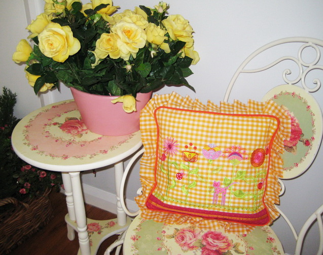 Wall Flowers Machine Embroidery Designs by Stitchingart. Cushion